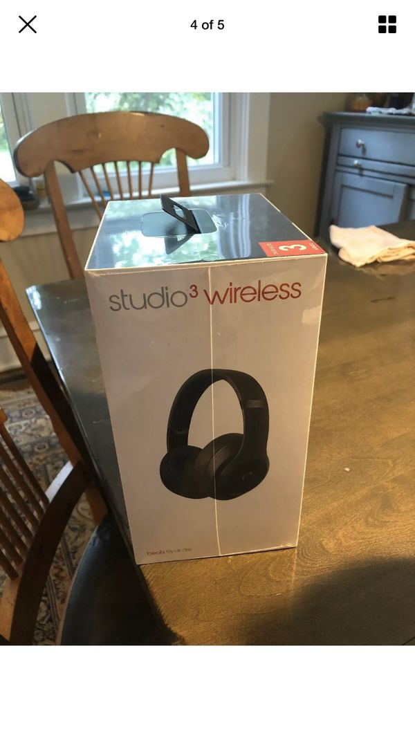 Brand New Beats Studio 3 over the ear!