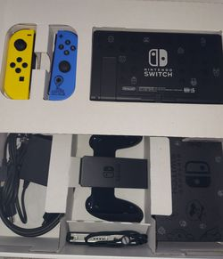 Nintendo Switch Fortnite Wildcat special edition for Sale in Denver,  CO
