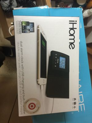 iHome- dual alarm clock wish charging unit for Sale in Elk Grove, CA