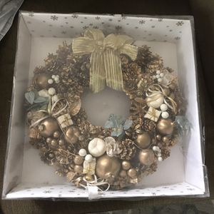 Very Elegant Wreath Pickup in Johnstown Ohio for Sale in Johnstown, OH