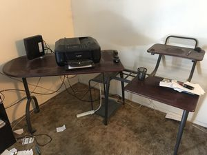 Computer desk for Sale in Taft, TX