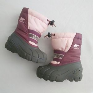 Sorel Snow Boots Toddler Girls 8 for Sale in Aurora, CO