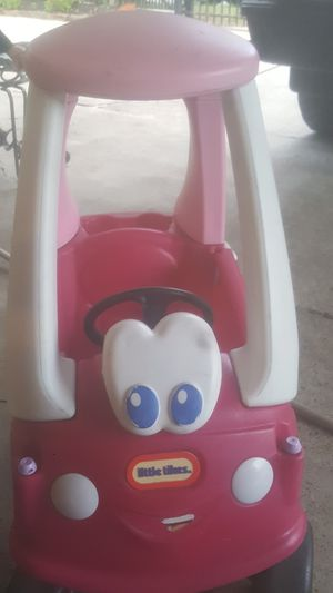 Little tikes cozy coupe pink for Sale in Houston, TX