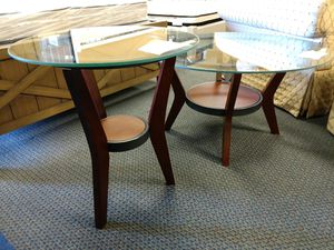 Coffee table and chair side table for Sale in Fremont, CA