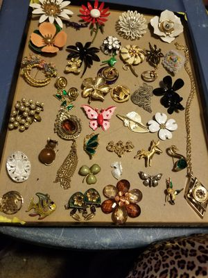 Vintage 35 brooches 1 pair of clips 1 pieced earring 2 charms 1 necklace with charm 1 tack pen for Sale in Cayce, SC