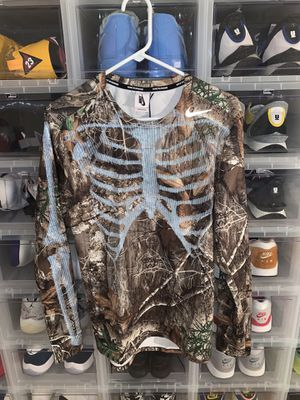 Nike camo shirt for Sale in Frisco, TX