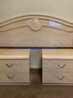 Bedroom Set for Sale in Seattle,  WA