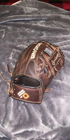 Nokona baseball/softball glove for Sale in Las Vegas, NV