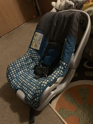Infant car seat for Sale in Traverse City, MI