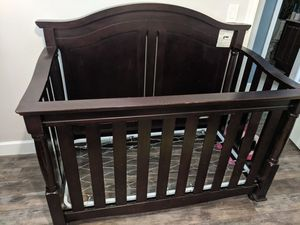 Crib , dresser and changing table set for Sale in Palm Beach Gardens, FL