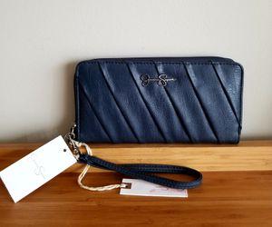 "Jessica Simpson ""Lisa"" Zip Around Wristlet Wallet/New for Sale in Germantown, MD"