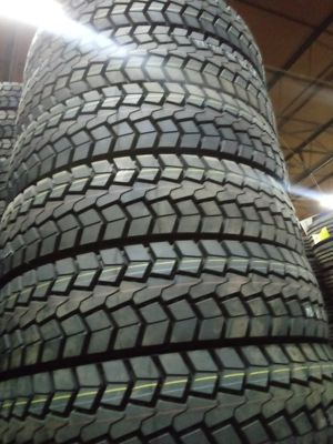 Semi truck tires for Sale in Phoenix, IL