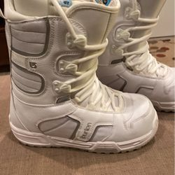 Burton Women's Snowboard Boots Size 8 for Sale in Colorado Springs,  CO