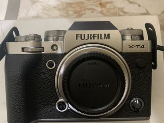 FujiFilm X-t4 for Sale in Norwalk,  CA