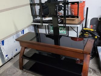 Media Stand With TV Mount for Sale in Westminster,  CA