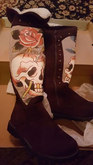 Skechers size 9 brown suede boots for Sale in Manassas, VA