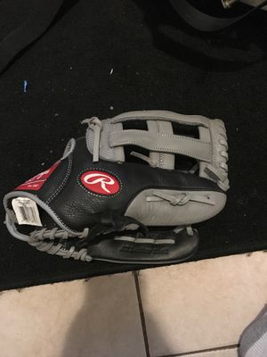 Rawlings glove for Sale in Upland, CA