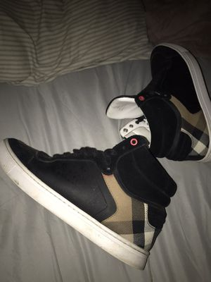 Burberry Hightops (Size 9.5) for Sale in Roy, WA