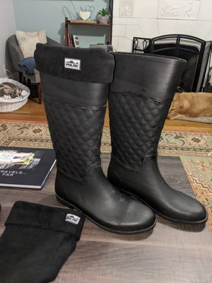 Like new pair of rainboots size 11 women's with fleece Welly socks for Sale in Covington, KY