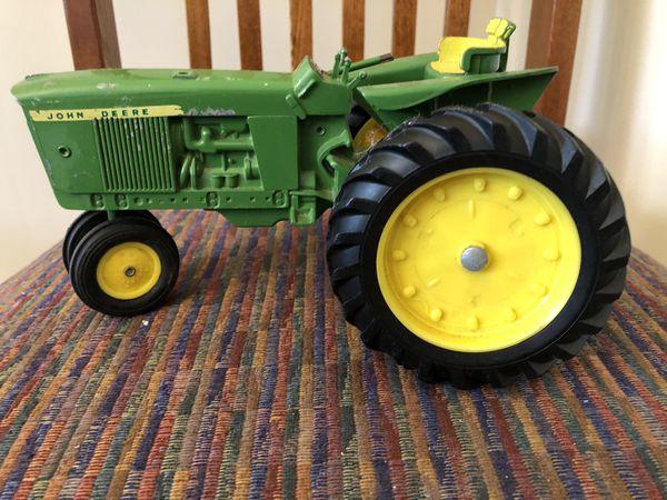 Toy John Deere Farm Tractor