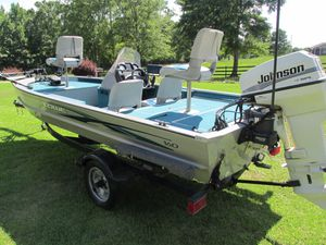 Lowe 160 fully equipped bass boat for Sale in Wetumpka, AL