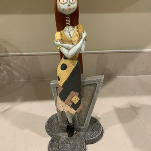 Sally Nightmare Before Christmas W/potion for Sale in Valrico, FL