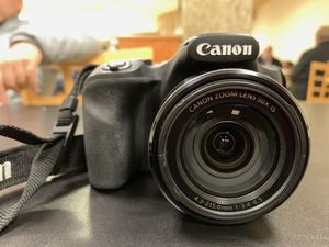 Canon SX530 HS camera with FREE additional accessories and ORIGINAL BOX for Sale in Elgin, IL