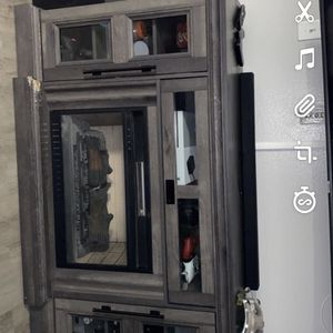 Electric Fire Place/ TV Stand for Sale in Lynnwood, WA