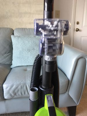 Bissell Power Track Upright Vacuum in Lime for Sale in Miramar, FL