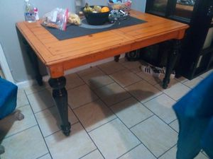 Kitchen table with extension for Sale in Bakersfield, CA