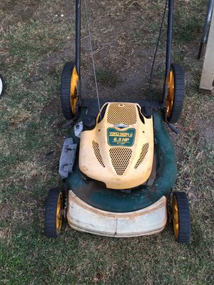 """Yard Man (21"""") 6.5-HP 2-in-1 Self-Propelled Lawn Mower NO BAG THOUGH for Sale in Santa Ana, CA"""