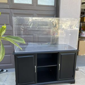 75 Gallons Acrylic Aquarium And Stand for Sale in Monterey Park, CA