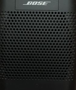Bose SoundLink Speaker Model 415859 (Black) for Sale in Alexandria,  VA