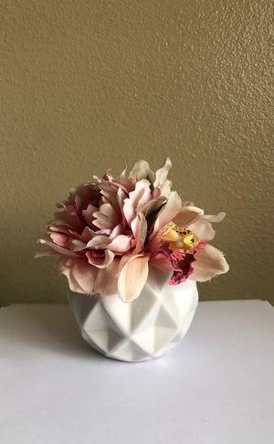 Geometric floral arrangement -$5 for Sale in Chula Vista, CA