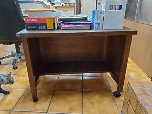 Small desk/ stand for Sale in La Habra Heights, CA
