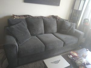 Couch an loveseat for Sale in Hayward, CA