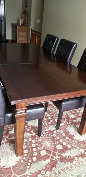 Dining table and 6 chairs for Sale in Oregon City, OR