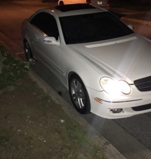 Mercedes-Benz clk 350 for parts for Sale in Landover, MD