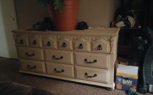 Whiteish bedroom set for Sale in Taylorsville, UT