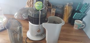 breville juicer for Sale in Puyallup, WA