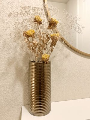 Dried flowers & vase for Sale in Littleton, CO