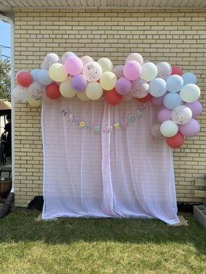 Balloon arch and backdrop for Sale in Chicago, IL