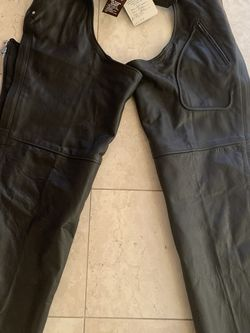 Unik Genuine Leather Motorcycle Chaps - New With Tags for Sale in Yakima,  WA