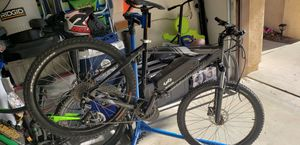 Specialized Hardrock Pro Mountain Bike ebike LG, electric, Luna, Pitch, MTB for Sale in Chino Hills, CA
