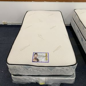 We have all sizes twin full queen and king mattress for Sale in Niles, IL