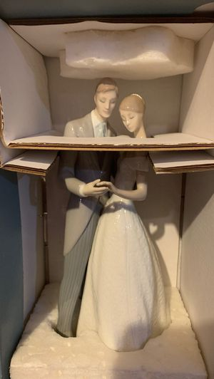 Lladro together forever wedding figurine for Sale in Providence, RI