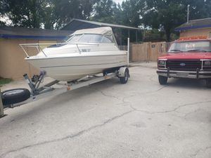 Boat bayliner classic for Sale in Tampa, FL