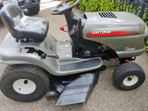 Craftsman riding lawn mower 42-inch deck with Briggs & Stratton V-Twin 22 horse for Sale in Hillsboro, OR