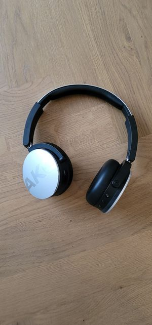 AKG Bluetooth wireless headphones for Sale in Brooklyn, NY