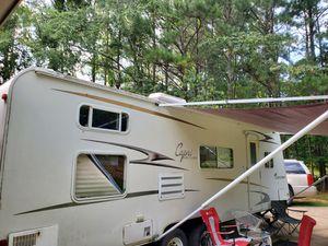 27 ft coachman capri for Sale in Columbus, GA